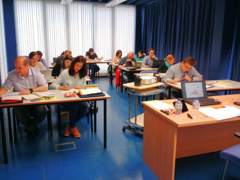 Nuestros alumnos del taller de Prezi